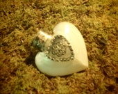 Beautiful Heart-Shaped Mother of Pearl Snuff Bottle