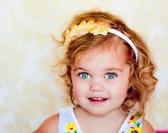 Pleated Headband / Grosgrain Ribbon Headband / Children Headband /Toddler Headband / Photo Prop / Yellow Pleated Ribbon Pearl Headband