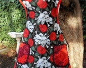 Apron 40s Vintage Style Skull Crossbones and Roses Women Lined Full