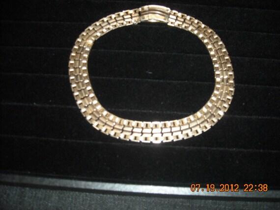 vintage gold link necklace.....no6