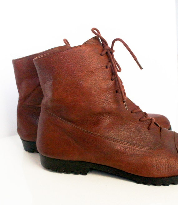 Vintage Leather Boots in Brown 9