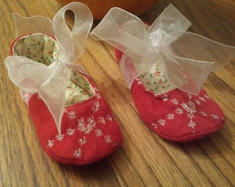 Baby suede shoes. Newborn to 12 months.