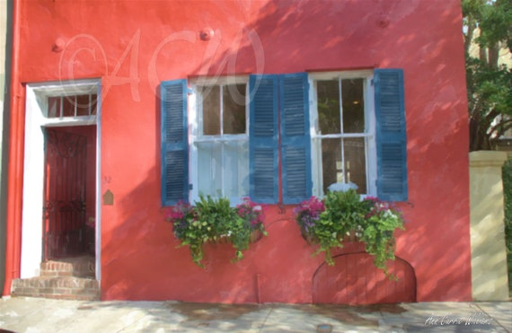 Salmon colored house in Charleston South Carolina (canvas)