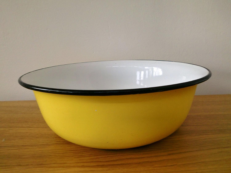 yellow enamel washing bowl basin tub. Black Bedroom Furniture Sets. Home Design Ideas