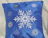 Christmas Snowflakes Pillow Cover