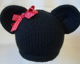 Minnie Mouse Knit Hat with red and white polka dot bow