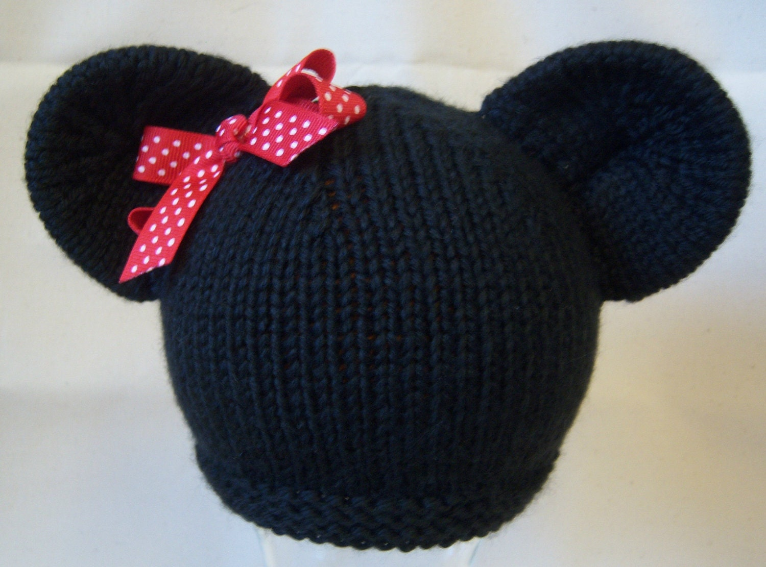 Knitting Pattern Mouse Hat : Minnie Mouse Knit Hat with red and white polka dot bow