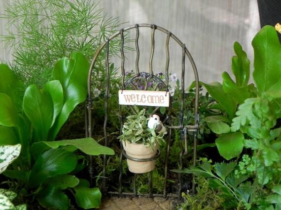 Gnome Garden: Fairy Garden Gate Welcome Miniature Accessories For