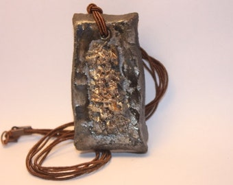 Raku  fired clay necklace - Raku ceramic pendant - Handmade in Italy