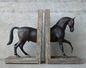 EQUINE COLLECTION warmblood horse bookend in dark bay