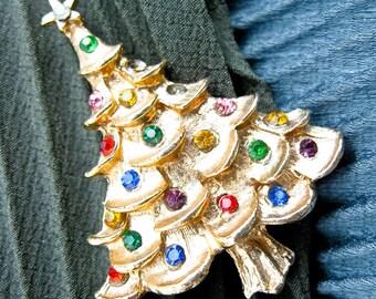 Vintage 1950s Christmas Tree Pin, Costume Jewelry, Mid Century USA