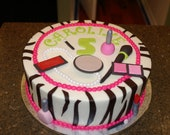 Edible, fondant makeup set for cake decorating