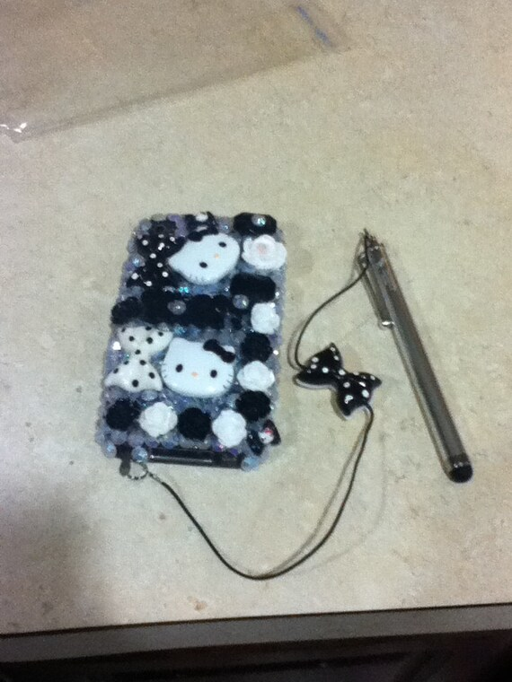 Hello Kitty IPod Case With Matching Stylus