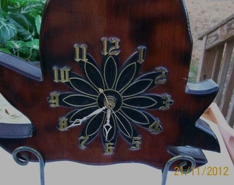 Vintage 1970's Carved Pineapple Tree Trunk Slice High Gloss Wood Wall Clock