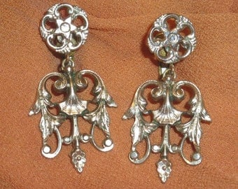 Rare Victorian Dangle Earrings Accessocraft Romantic Floral Plated Scrollwork