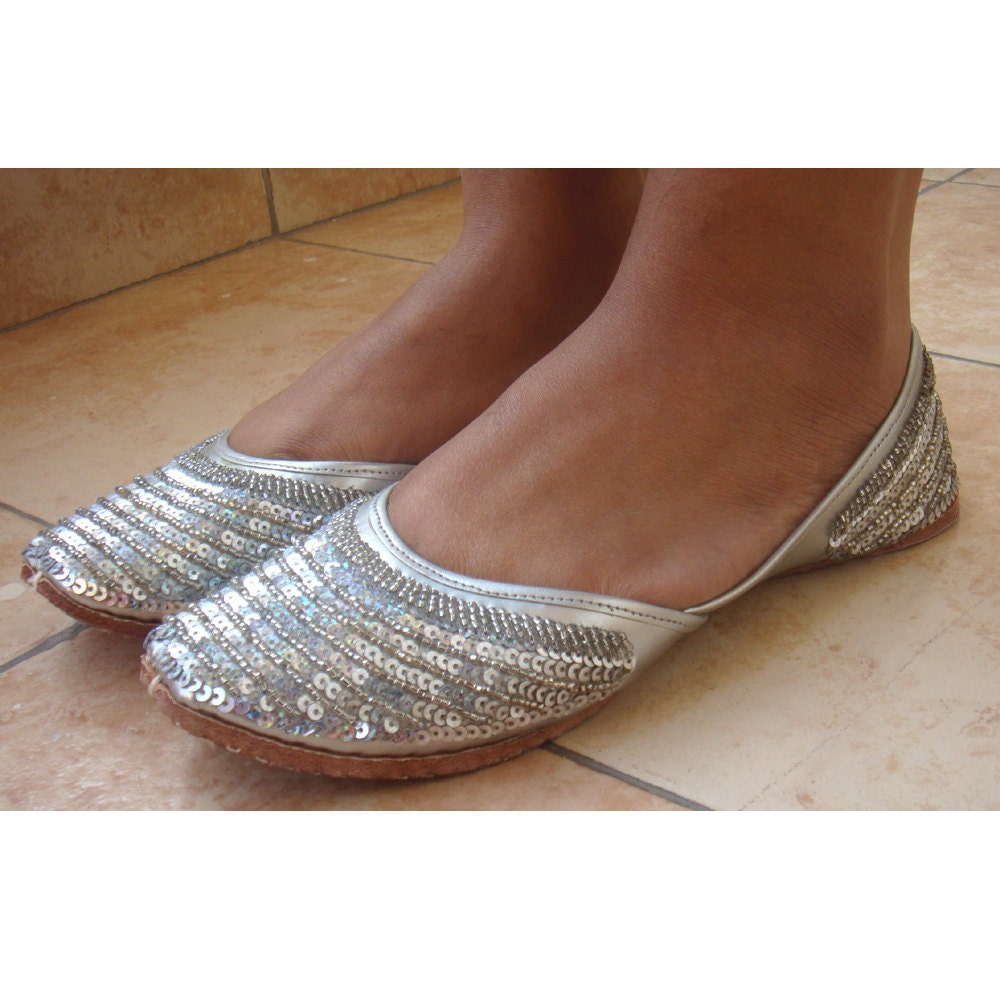 Sequin Pump Black Silver Black Ballerina Flat Andrea Zani The control of solar gains through transparent surfaces is the primary objective in order to reduce buildings' cooling energy needs.