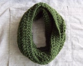 Infinity scarf: Forest green