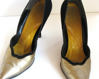Vintage Black & Gold Pumps