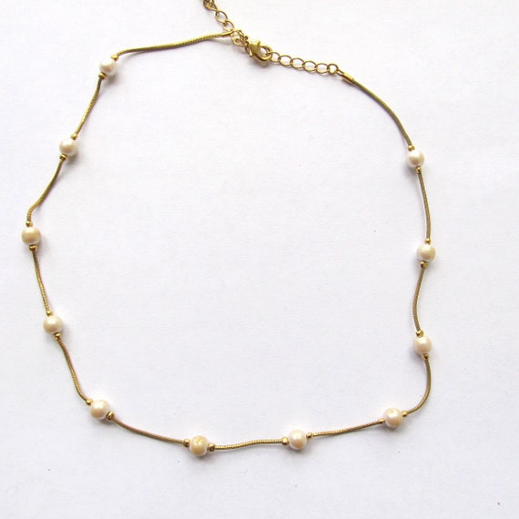 vintage 1980s delicate necklace dainty pearl necklace