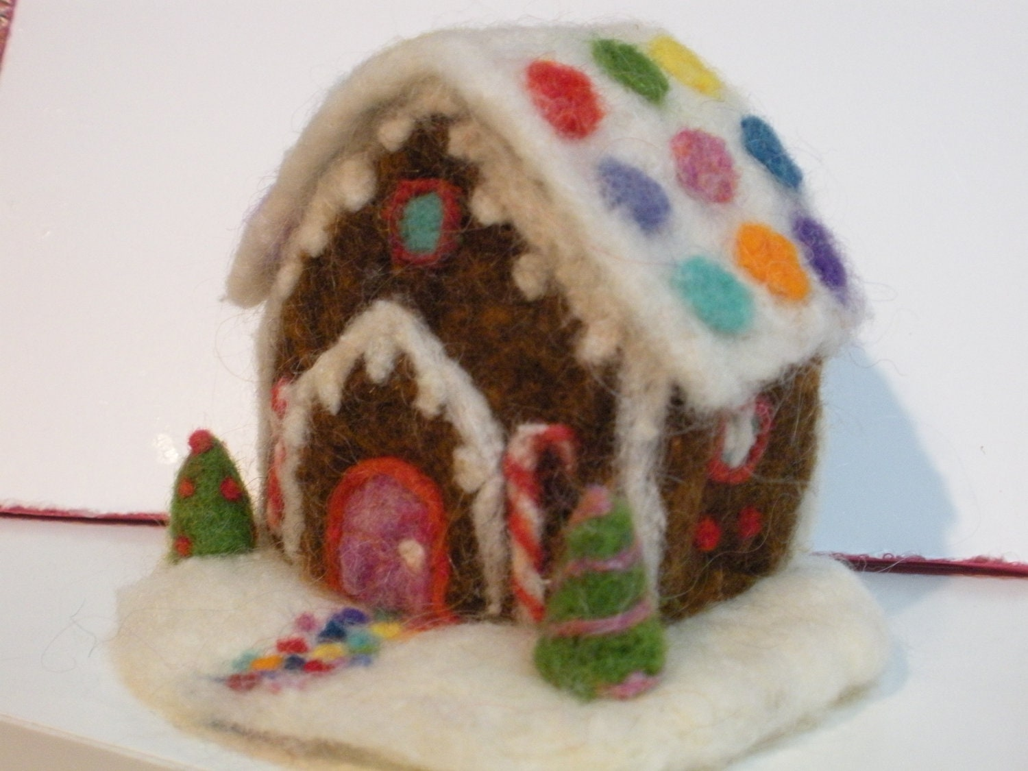 felt christmas ornaments needle felted gingerbread cottage 11319