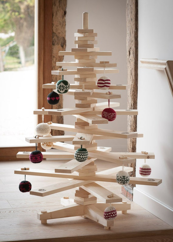Items similar to 3ft wooden christmas tree on etsy - Arboles de navidad creativos ...