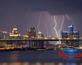 Lightning over Detroit at Night - Image 03039