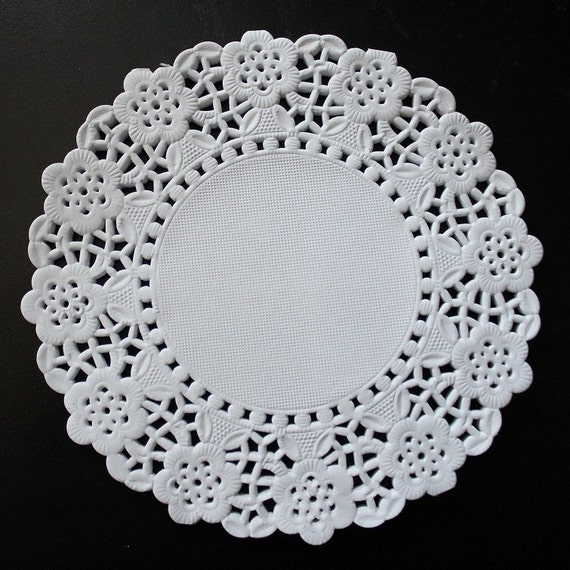 Paper Lace Doilies And Doily In White And In 5 Sizes