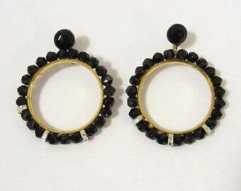 Vintage jewelry Black Glass bead Screw back earrings