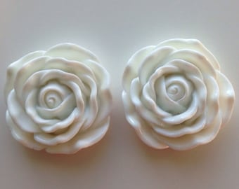 45mm White Flower Chunky Necklace Bead