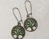 hAnd PaiNteD GrEen TReE eArRinGs, faMiLy tRee TrEe of LiFe jeWeLrY FRee SHipping