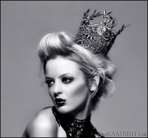 Kambriel Ice Queen Crown - Ethereal Silver Lace