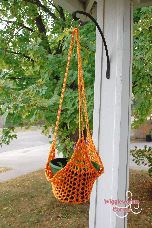 crocheted hanging plant holder bird feeder by. Black Bedroom Furniture Sets. Home Design Ideas