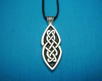 Celtic Knotwork long pendant, handmade, handcast in Silver Pewter STK020
