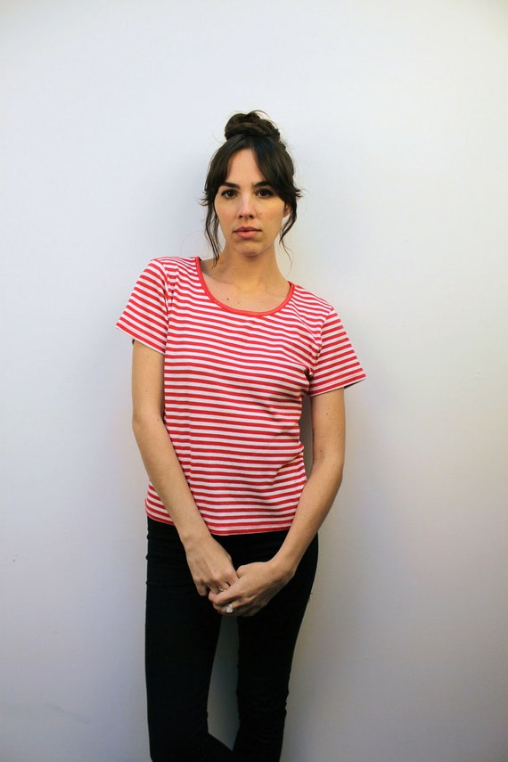 1990s Ribbed Red and White Striped T-Shirt Size S