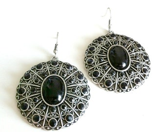 Dark Elegance Earrings