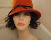 1940s Wool Felt Glamour Cloche Hat Burnt Umber Asymmetrical with Leather Tie