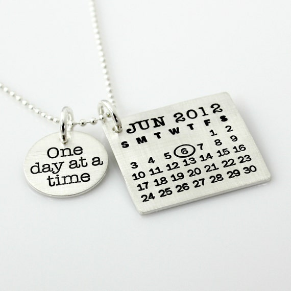 personalized calendar necklace sted your