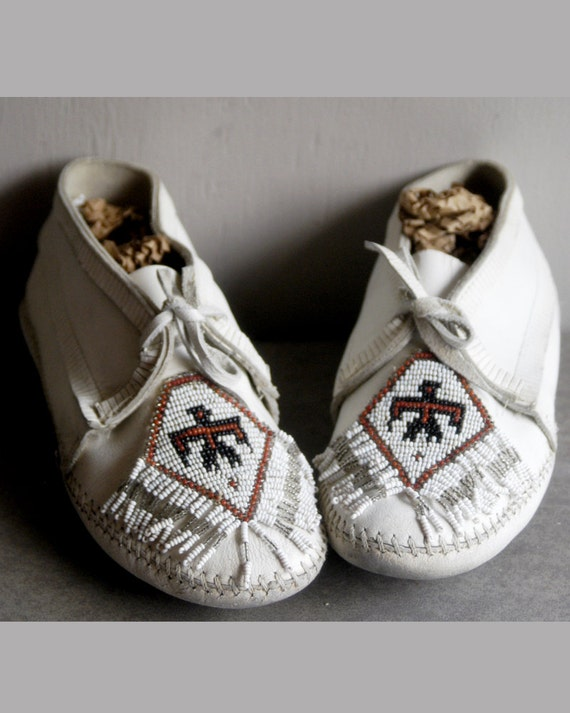 RESERVED for PAT thunderbird moccasins white vintage leather beaded size 8