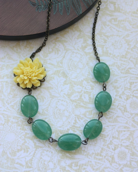 Spring Love II.  A Bright Yellow Chrysanthemum, Dahlia Aventurine Green Oval Gemstone Necklace. Bridesmaids Gifts. For Her. Maid of Honor.