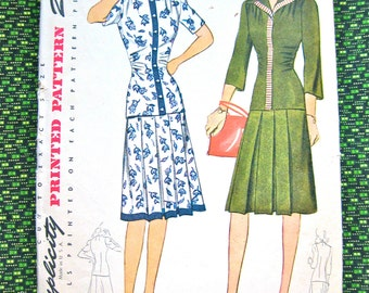 Vintage 1940s sewing pattern by Simplicity 4310.  Bust 32 inches