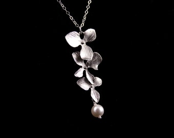 Bridesmaid Jewelry, Orchid Jewelry, Triple Orchid Wedding Necklace with Pearl