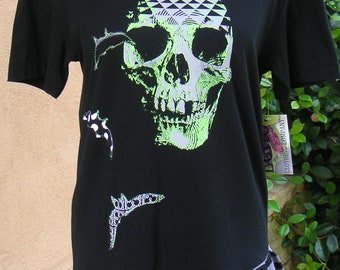 "Ladies Large Tricked Out Tee- ""Bats & Skeleton"""