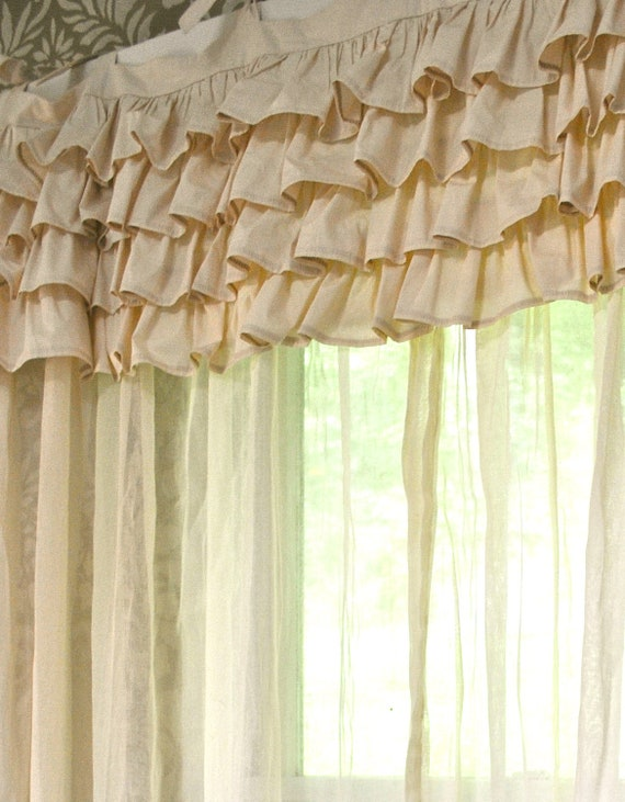 Ivory Shabby Chic Bedroom Curtain
