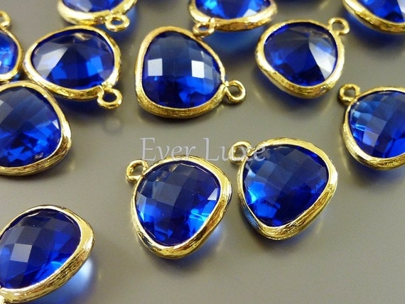 5031G-CO (2 pcs) Cobalt Blue / Gold 13mm x 13mm Glass pendants