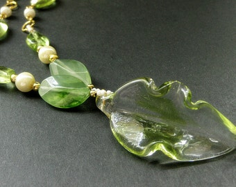 Green Leaf Necklace. Lampwork Glass Necklace. Beaded Necklace. Green Necklace. Lampwork Leaf Necklace. Handmade Necklace. Handmade Jewelry.