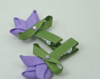 Purple tulip clip