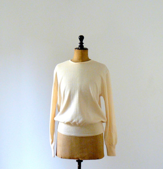 Vintage 1970s cream wool sweater. men clothing