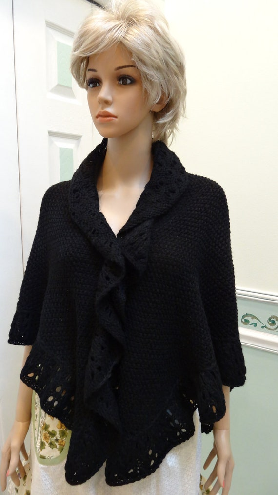 Knitting Pattern For Kate Middleton s Shawl : PRINCESS KATE MIDDLETON style shawl/cape hand knitted in a