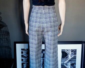 Vintage high waist BELLBOTTOM PANTS... groovy houndstooth print