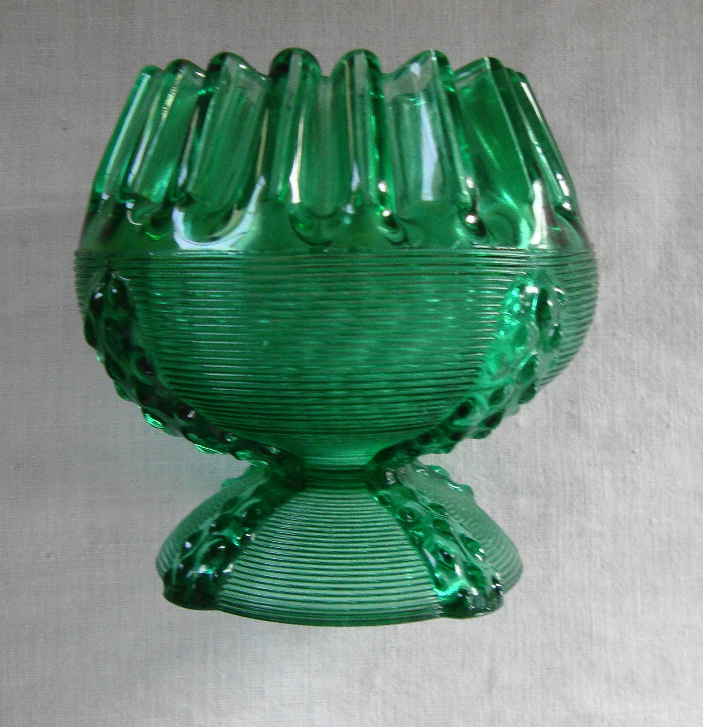 ANTIQUE DEPRESSION GLASS Art Deco Emerald Green Glass Blossom